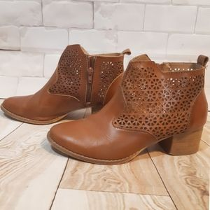 🌌HOST PICK!🌌Anthropologie leather ankle boots